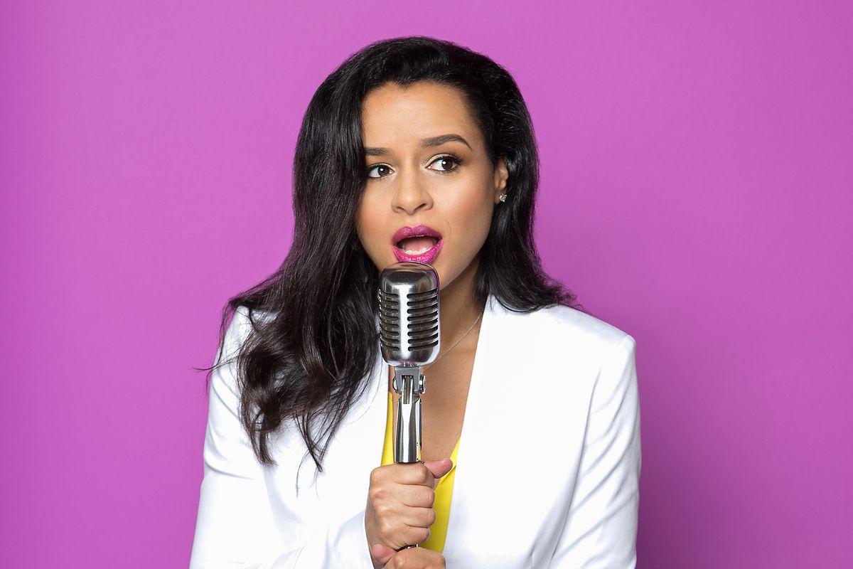 Googler-turned-comedian Sarah Cooper