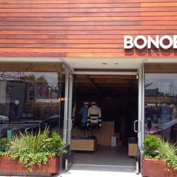 <i>Bonobos Guideshop LA is open Monday through Saturday from 10am to 7pm and Sunday from 12pm to 5pm.</i>
