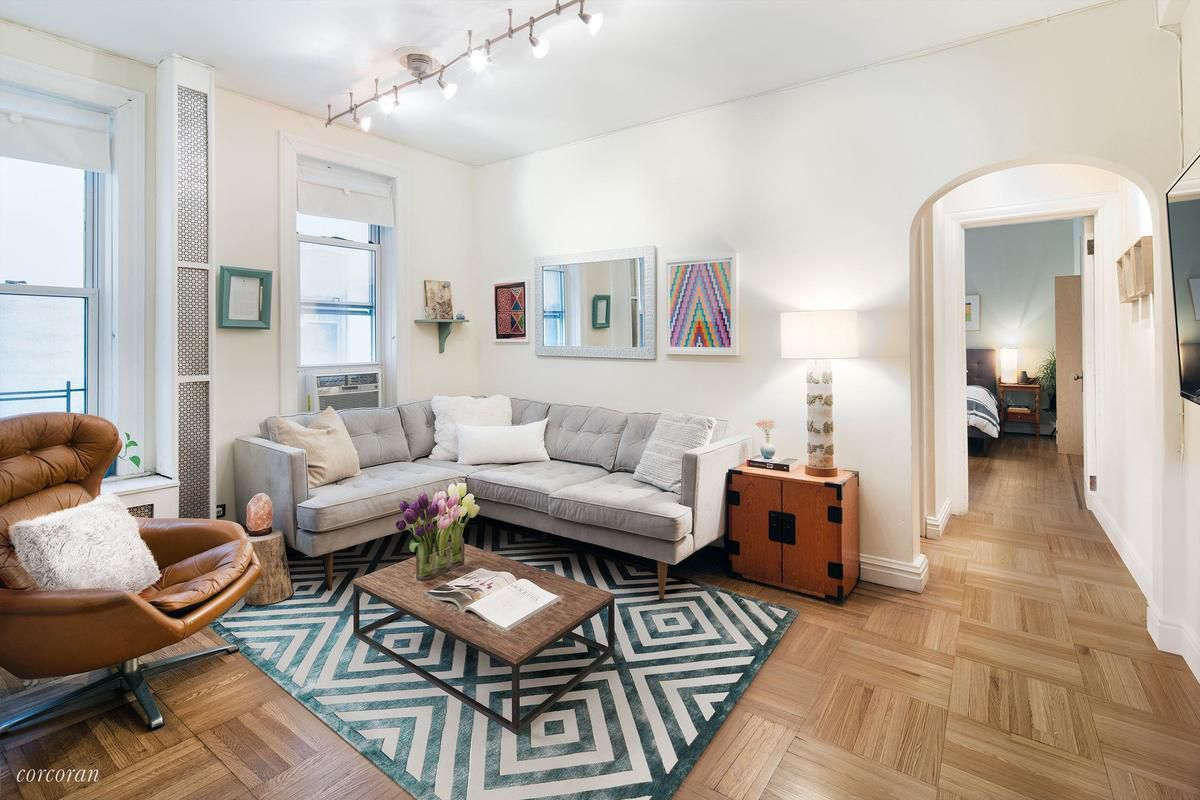 Cute co-op near the Brooklyn Heights Promenade asks $975K - Curbed NY