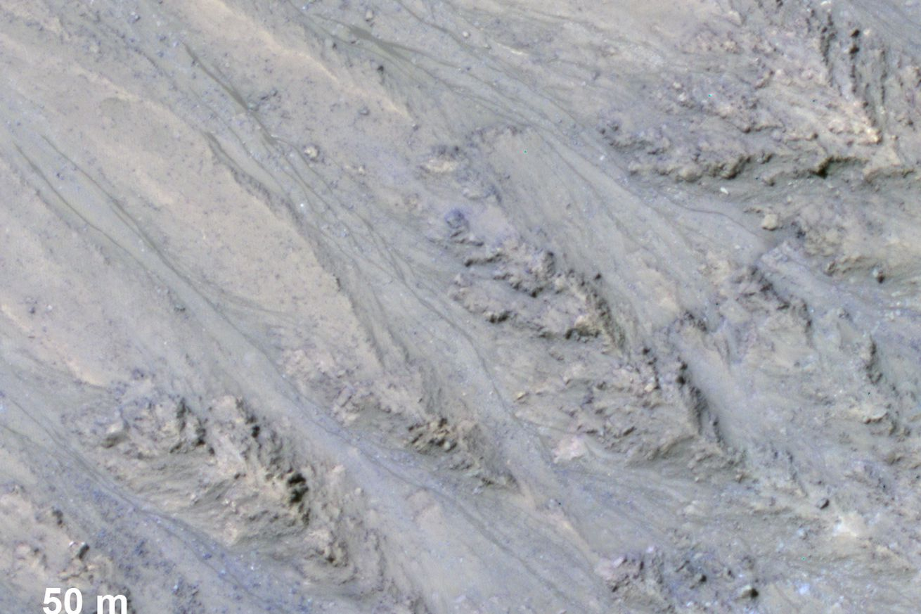 flowing water on mars surface may just be rolling sand instead