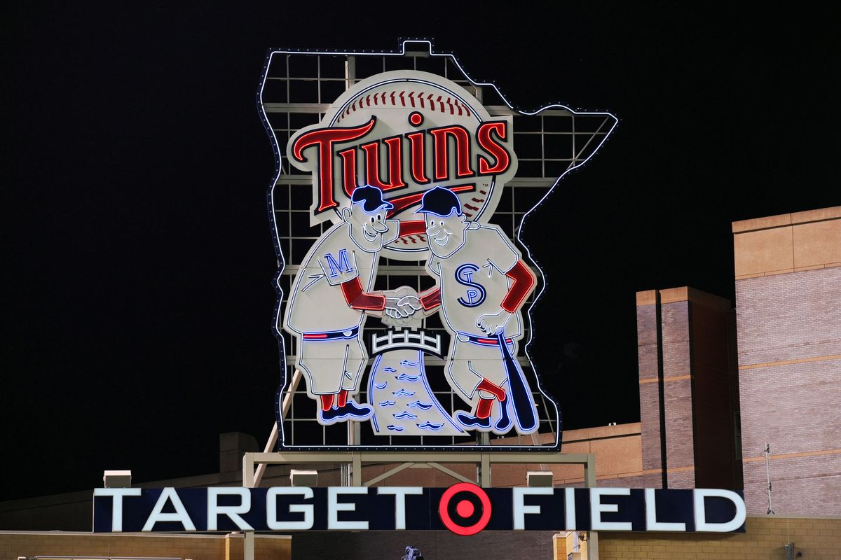 Chicago White Sox v Minnesota Twins