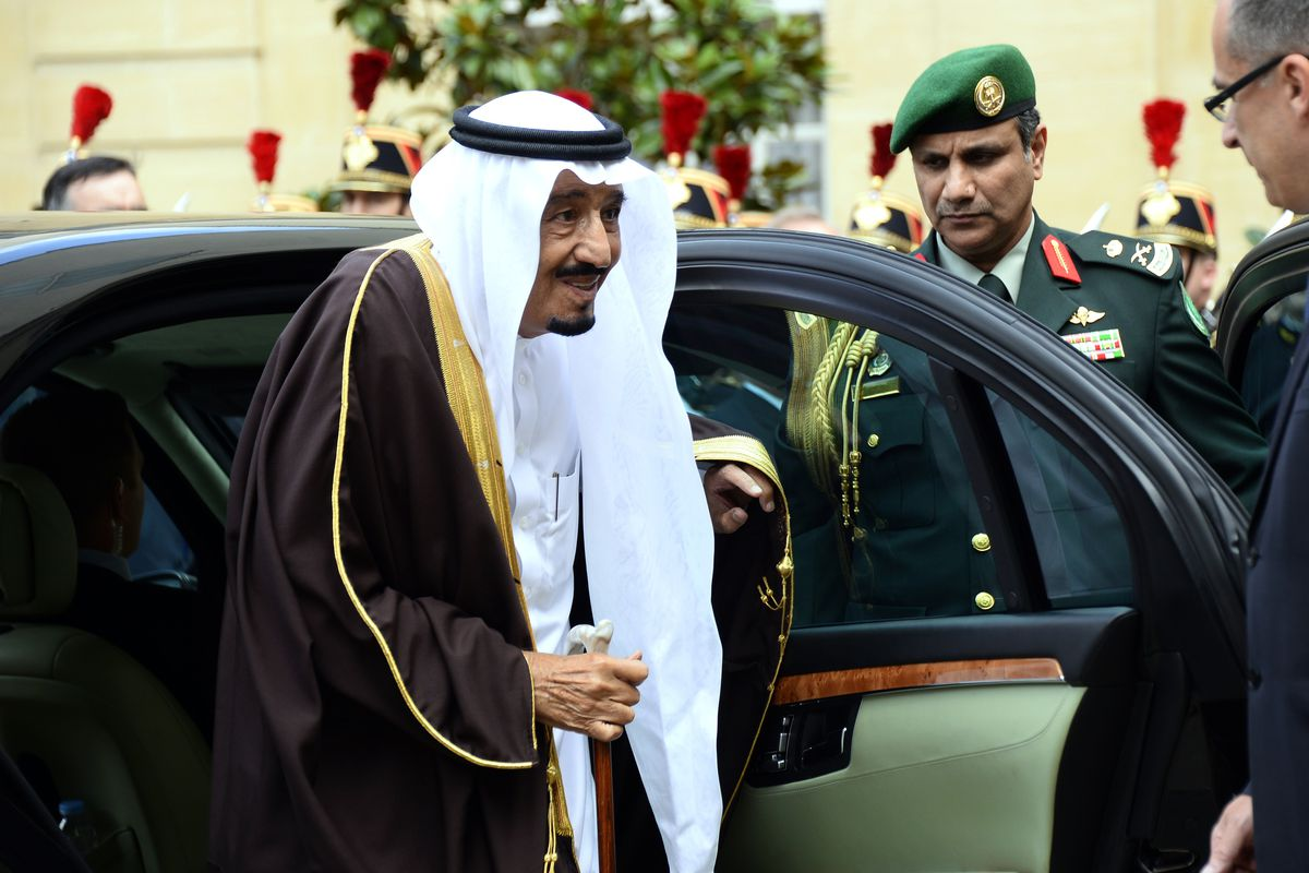 Saudi King Salman arrives in Paris for a 2014 meeting with French President Hollande