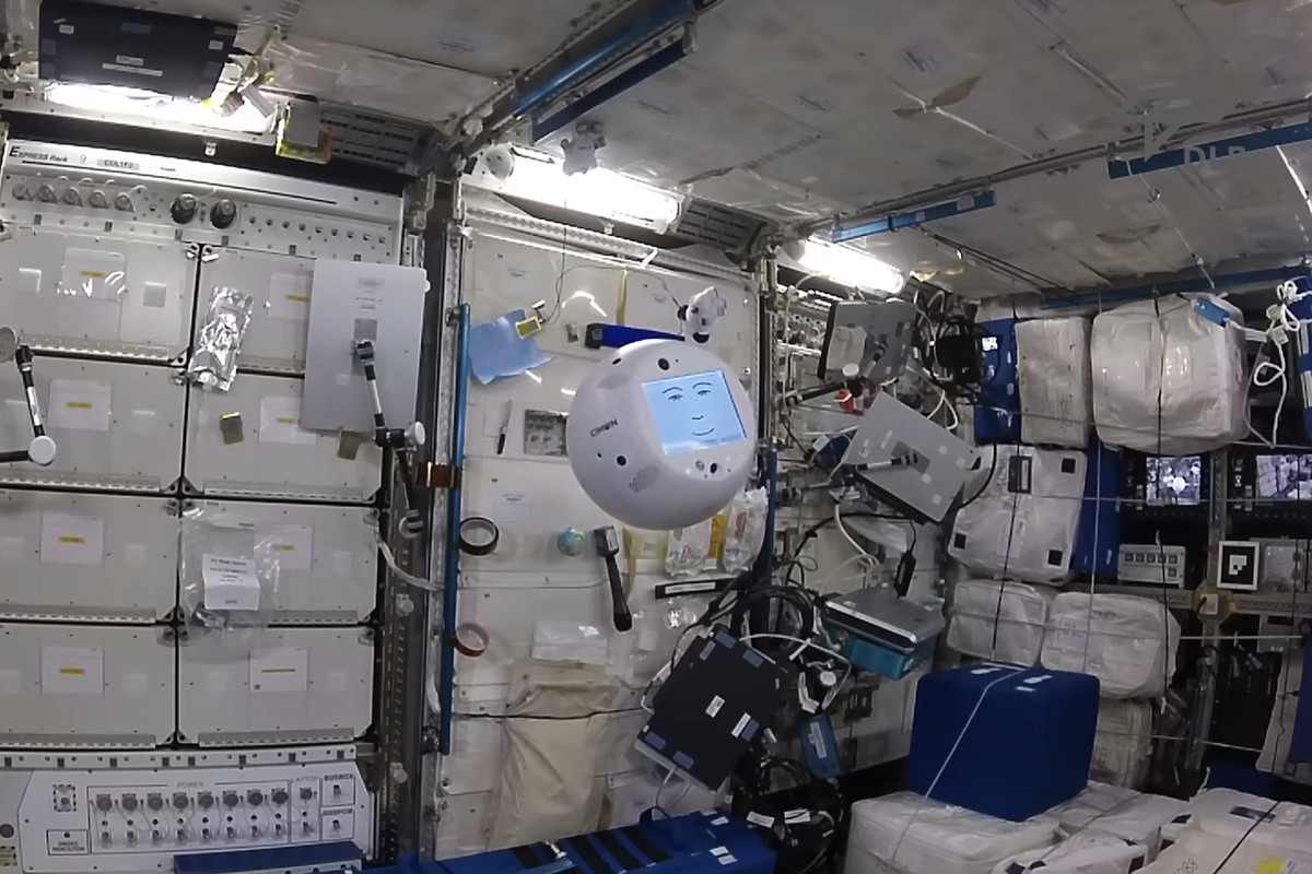 The Debut Of A New Iss Ai Robot Crew Member Went Exactly How Youd
