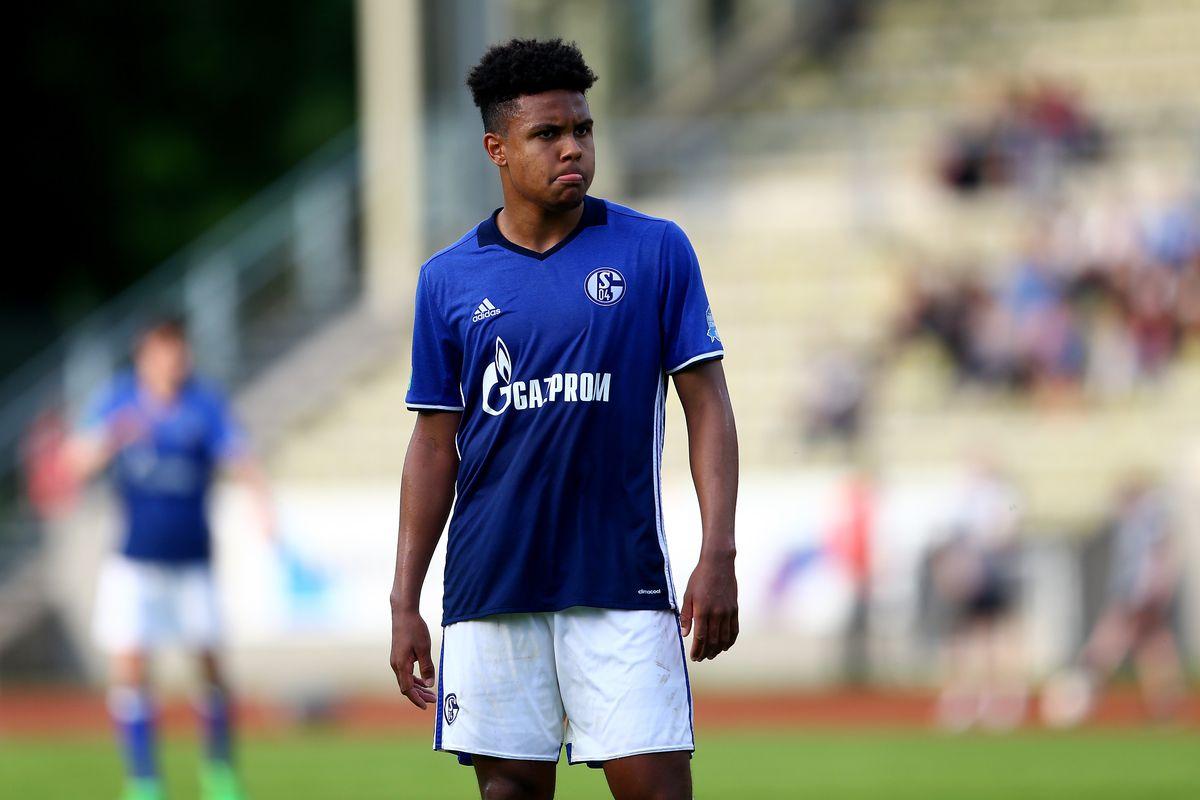 c9eb54a5c Schalke 04 give Weston McKennie a five year contract extension ...