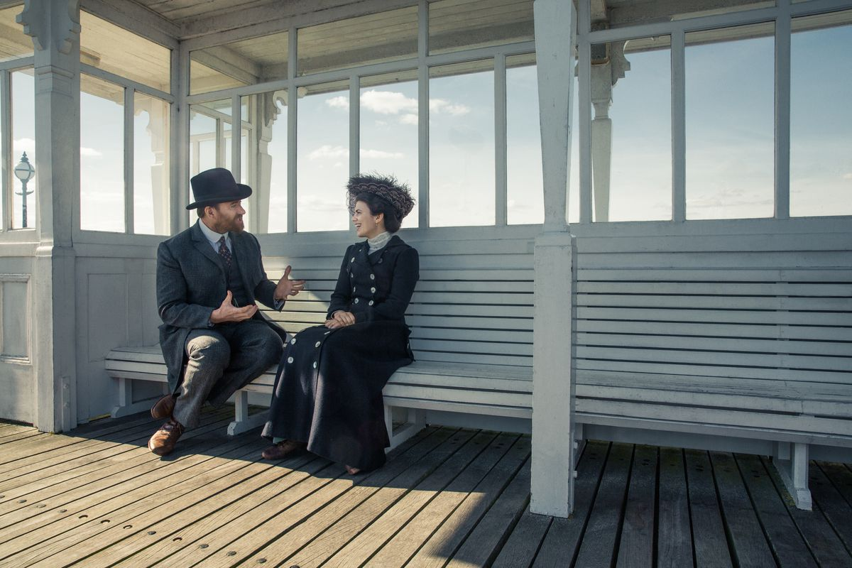 Matthew Macfadyen and Hayley Atwell in Howards End