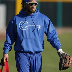 Darnell McDonald (why he's wearing a sweatshirt in 85-degree weather is beyond me)
