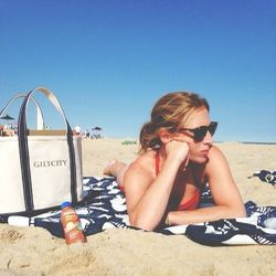 Sunday = beach day. Obviously sporting my Gilt City tote, I opted for tanning oil (Coppertone) with SPF10—need to take advantage of the dwindling summer sun (sorry Dr. Sobel)!