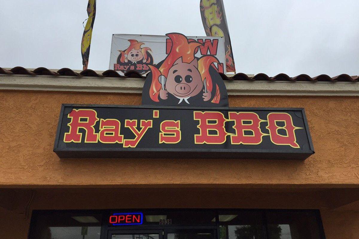 Ray's BBQ, Huntington Park