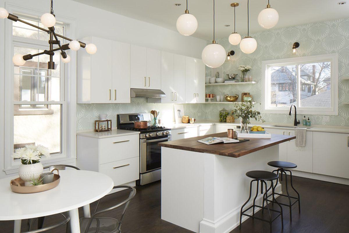 Freshly renovated \'urban farmhouse\' in Oak Park wants $849K - Curbed ...