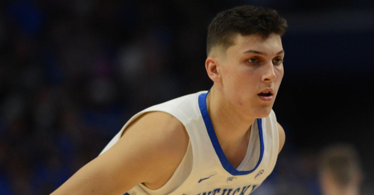 Kentucky Wildcats vs North Carolina Tar Heels Basketball ...