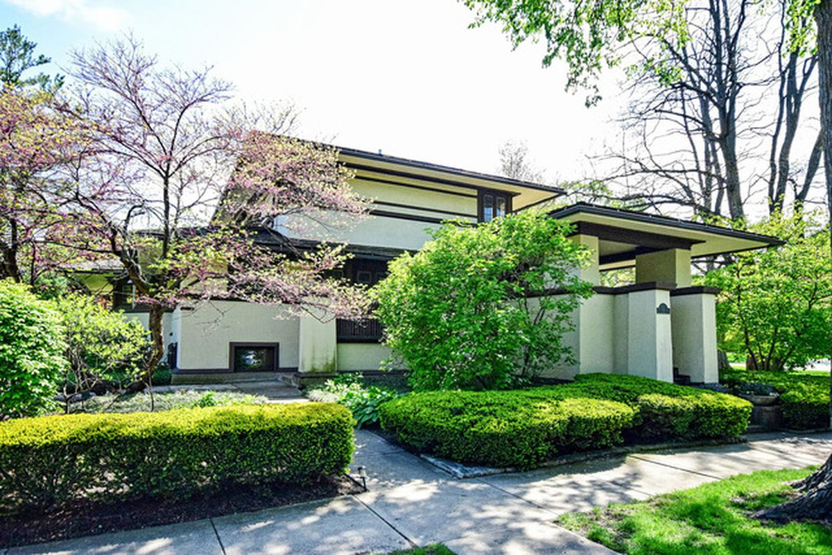 frank lloyd wright s f b henderson house back on market asking 1 1m curbed chicago. Black Bedroom Furniture Sets. Home Design Ideas