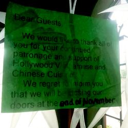 A posting notifying diners of Hollywood Vietnamese & Chinese Cuisine's closure.
