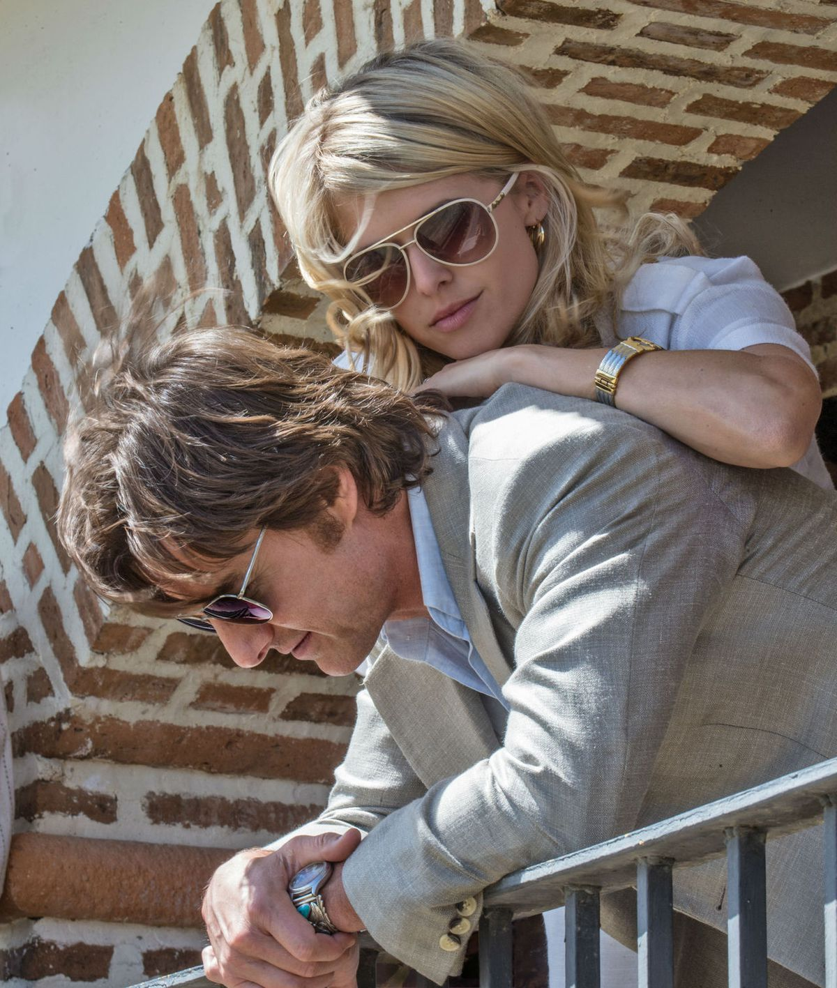 Tom Cruise and Sarah Wright in American Made
