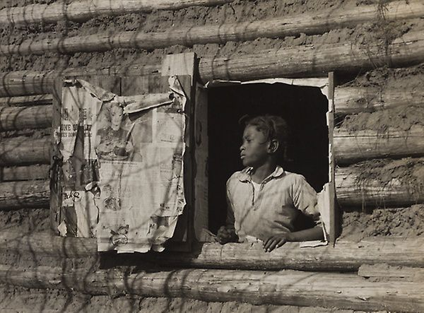 """""""Girl at Gee's Bend, Gee's Bend, Alabama (Artelia Bendolph),"""" is featured in the exhibit """"Photography + Folk Art"""" at the Art Institute of Chicago."""