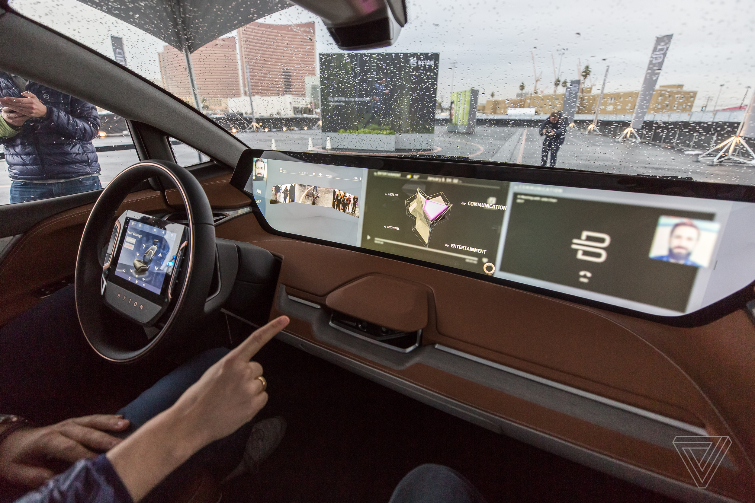How Many Inches In A Meter >> Riding in Byton's far-out concept SUV is like being in first class - The Verge
