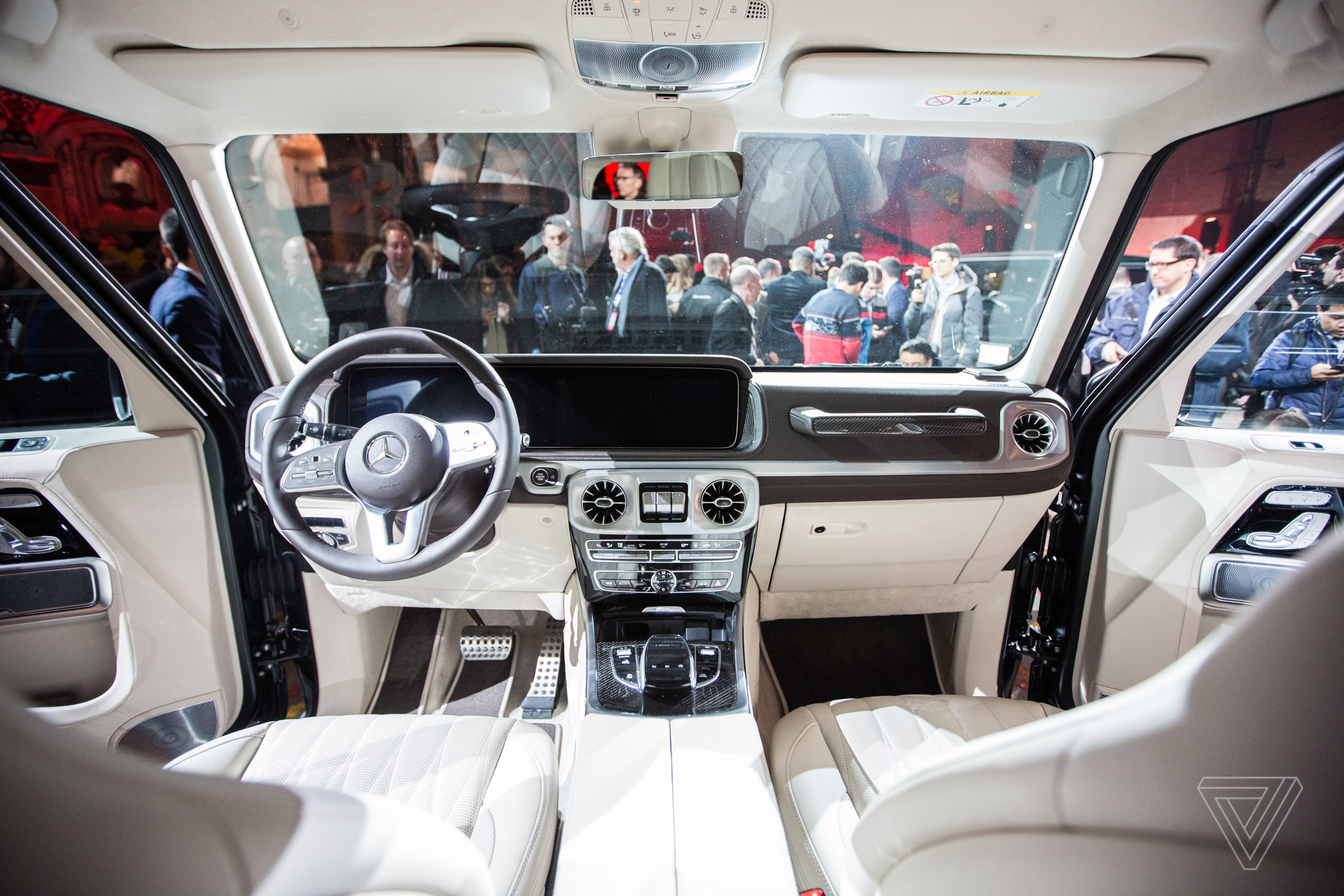 We Climbed Into The New Mercedes Benz G Wagen The Verge