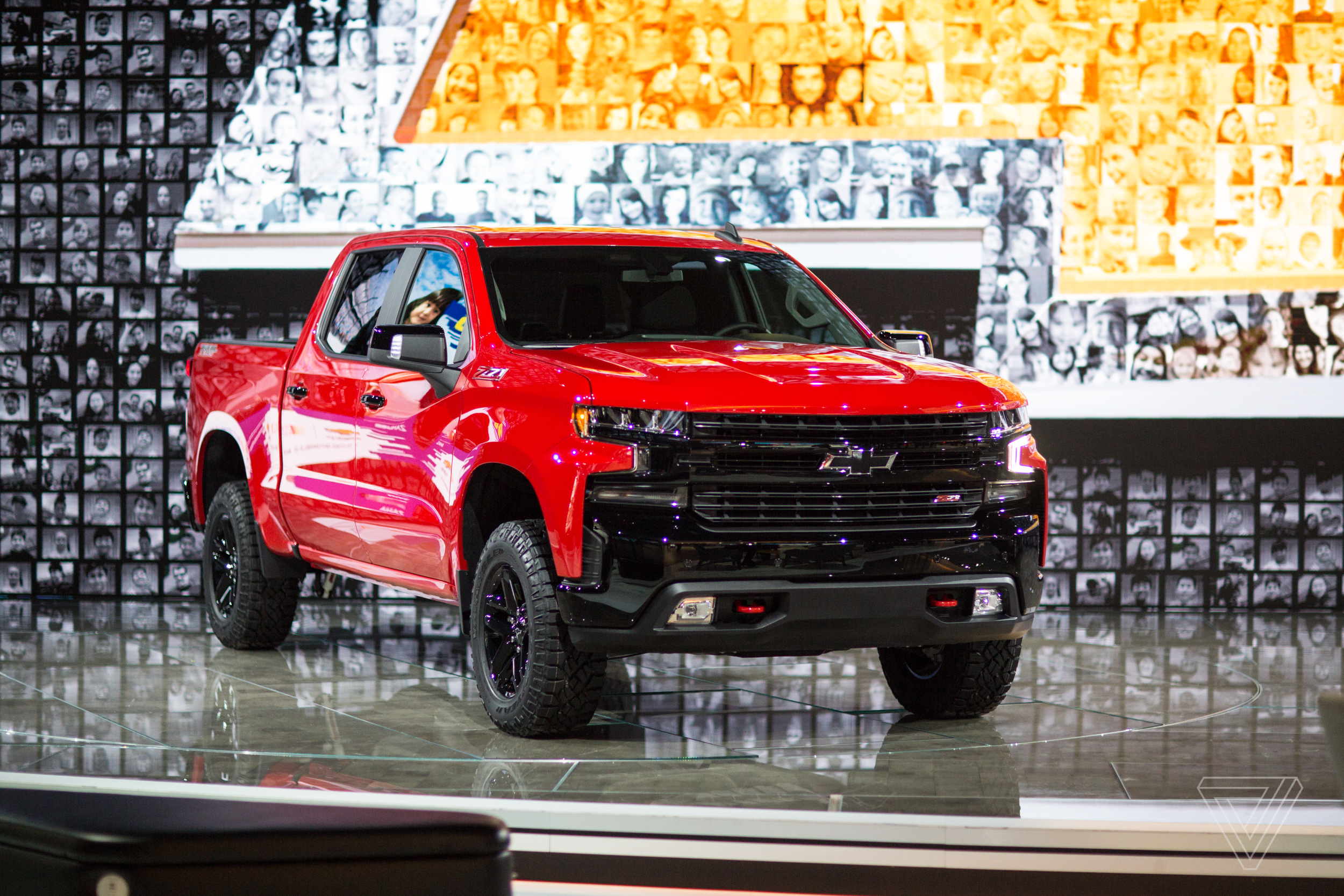 it s a pickup truck showdown at the detroit auto show the verge. Black Bedroom Furniture Sets. Home Design Ideas