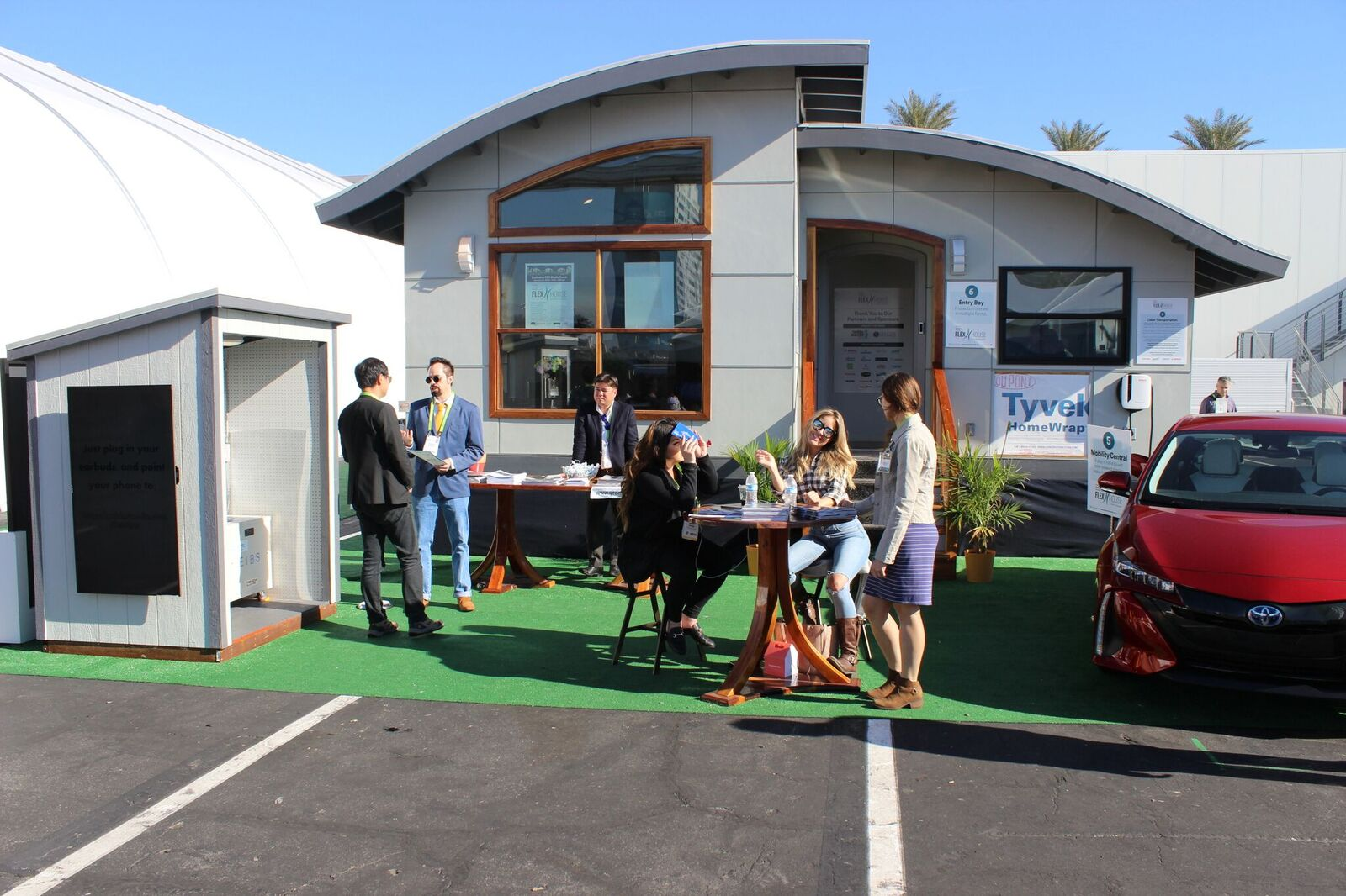 Prefab Flex House Comes Tricked Out With Smart Home