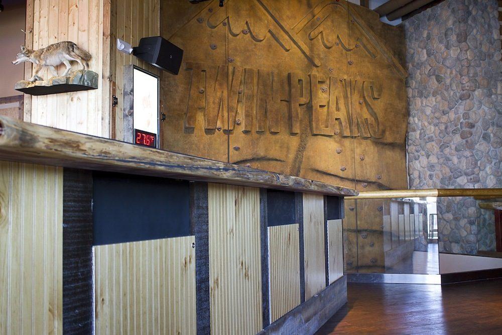 Meet The 39 Foot Climbing Wall Inside Twin Peaks Eater Vegas