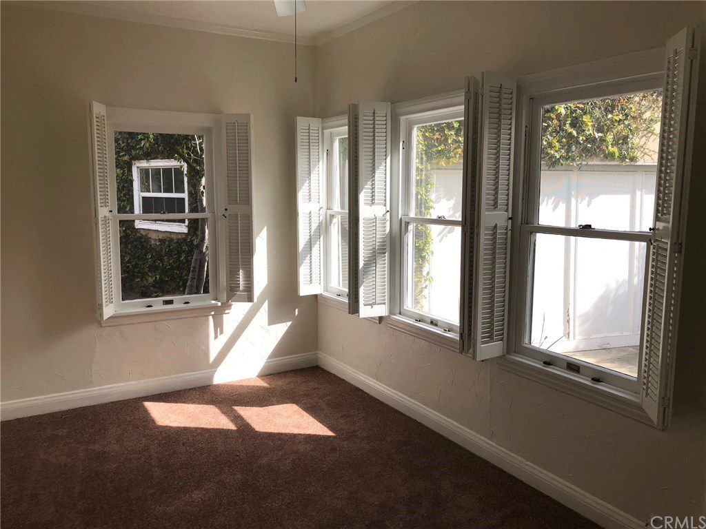 Los angeles apartments for rent what 2 800 rents right for Zillow duplex los angeles