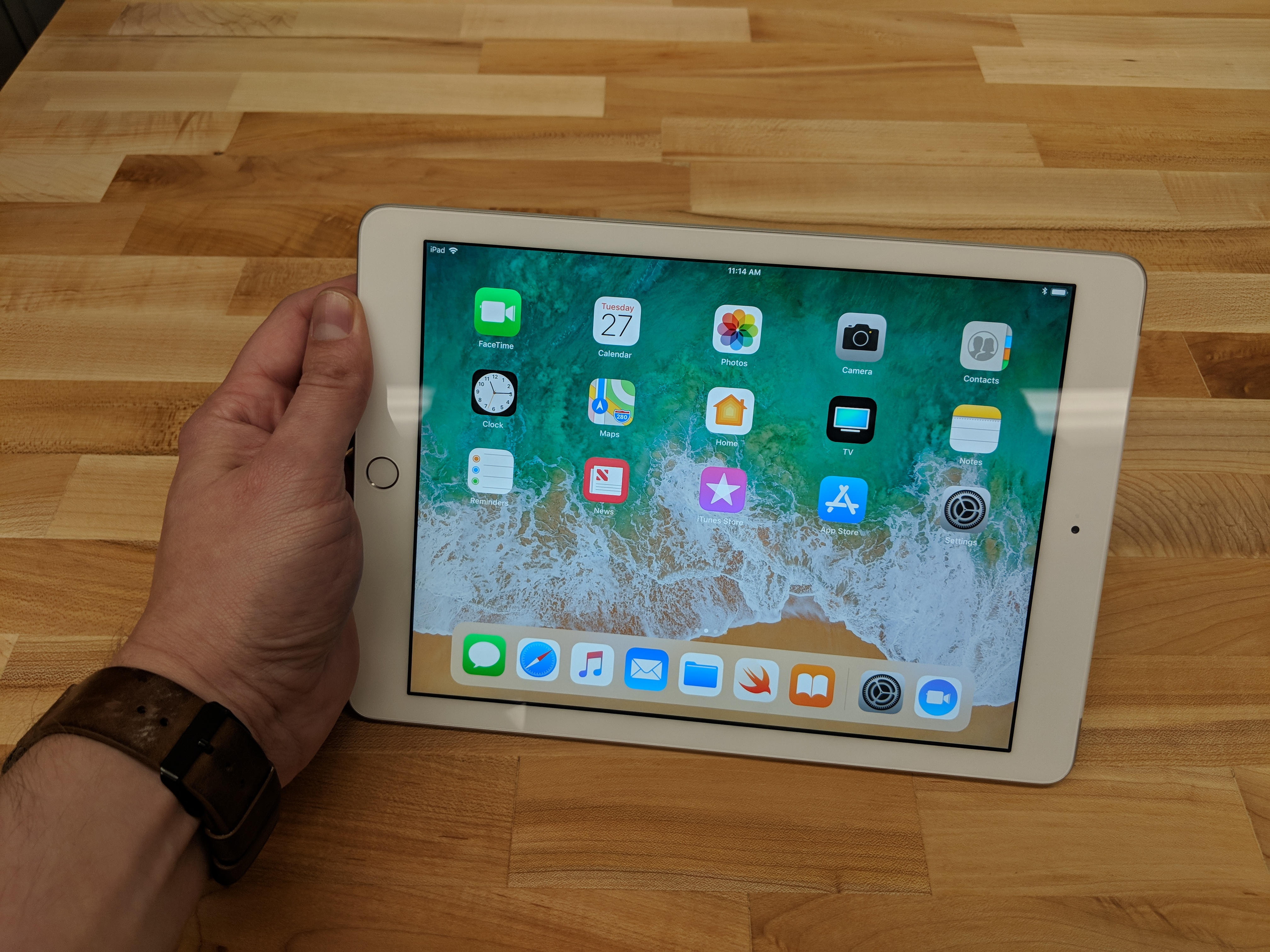 Apple's new, cheaper iPad is very, very familiar - The Verge