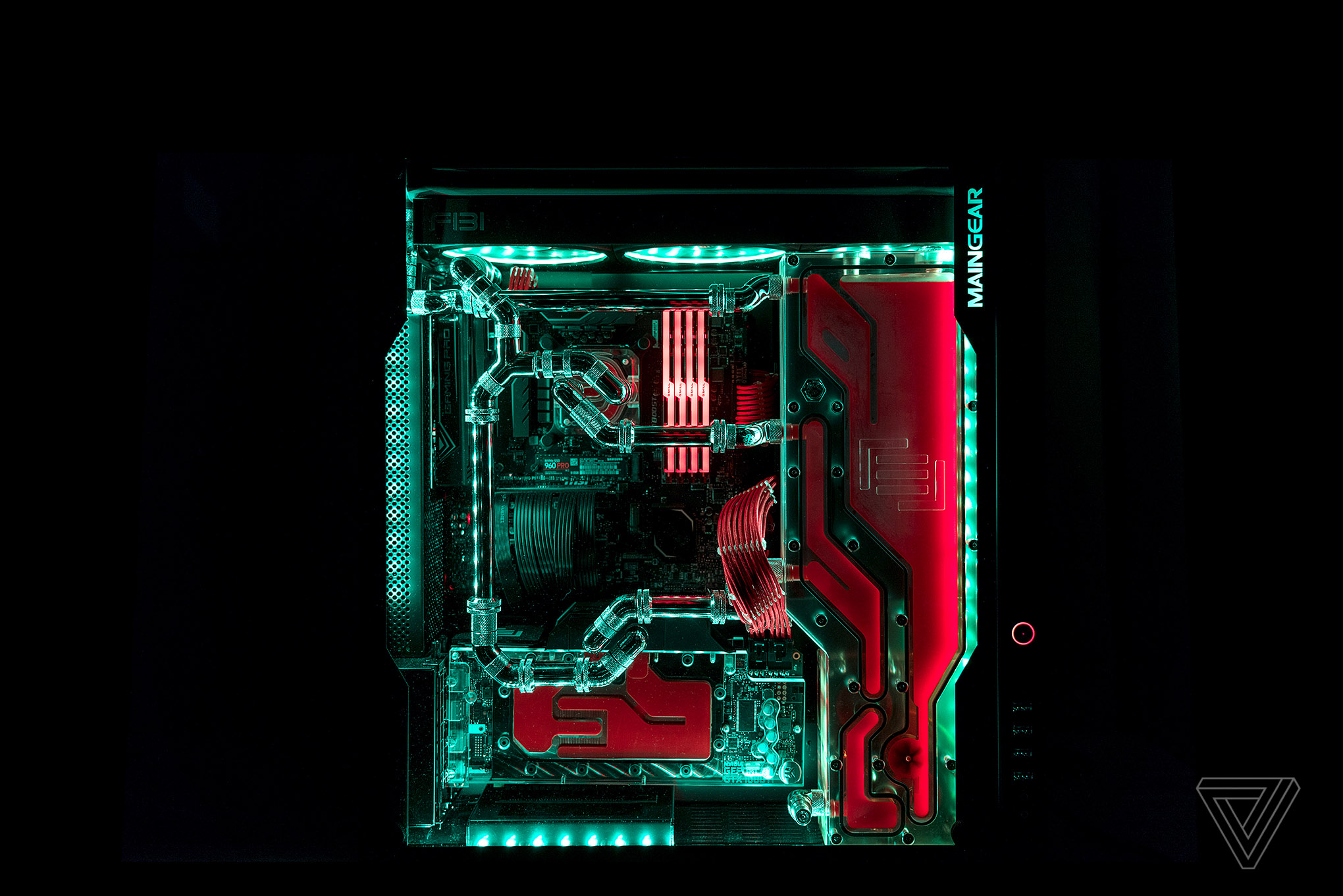 maingear s f131 gaming pc is an engineering marvel the verge. Black Bedroom Furniture Sets. Home Design Ideas