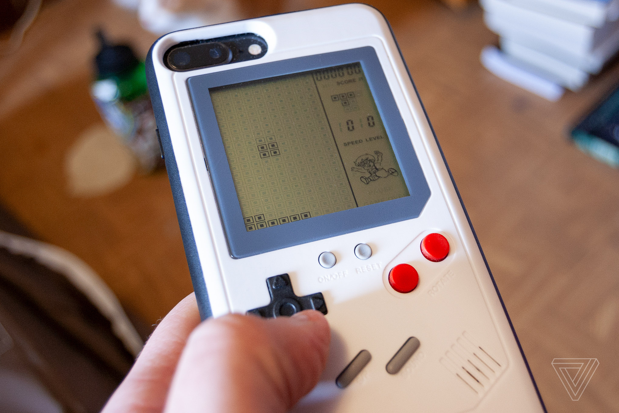 Wanle Case's Game Boy-style iPhone case has one redeeming feature