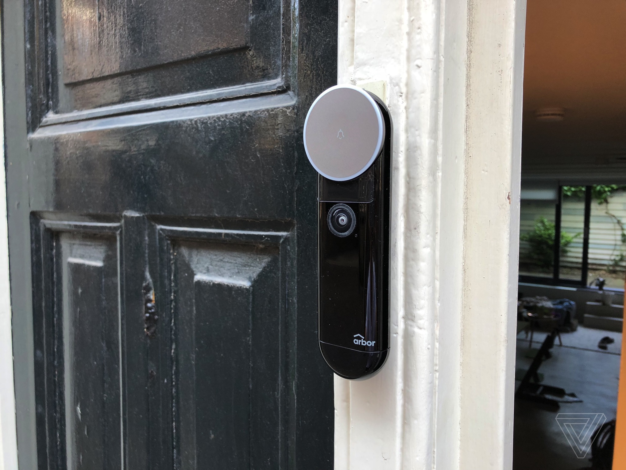 The Arbor Video Doorbell Offers More Than Ring For Less Verge Two Door Buzzer With Display Thomas Ricker