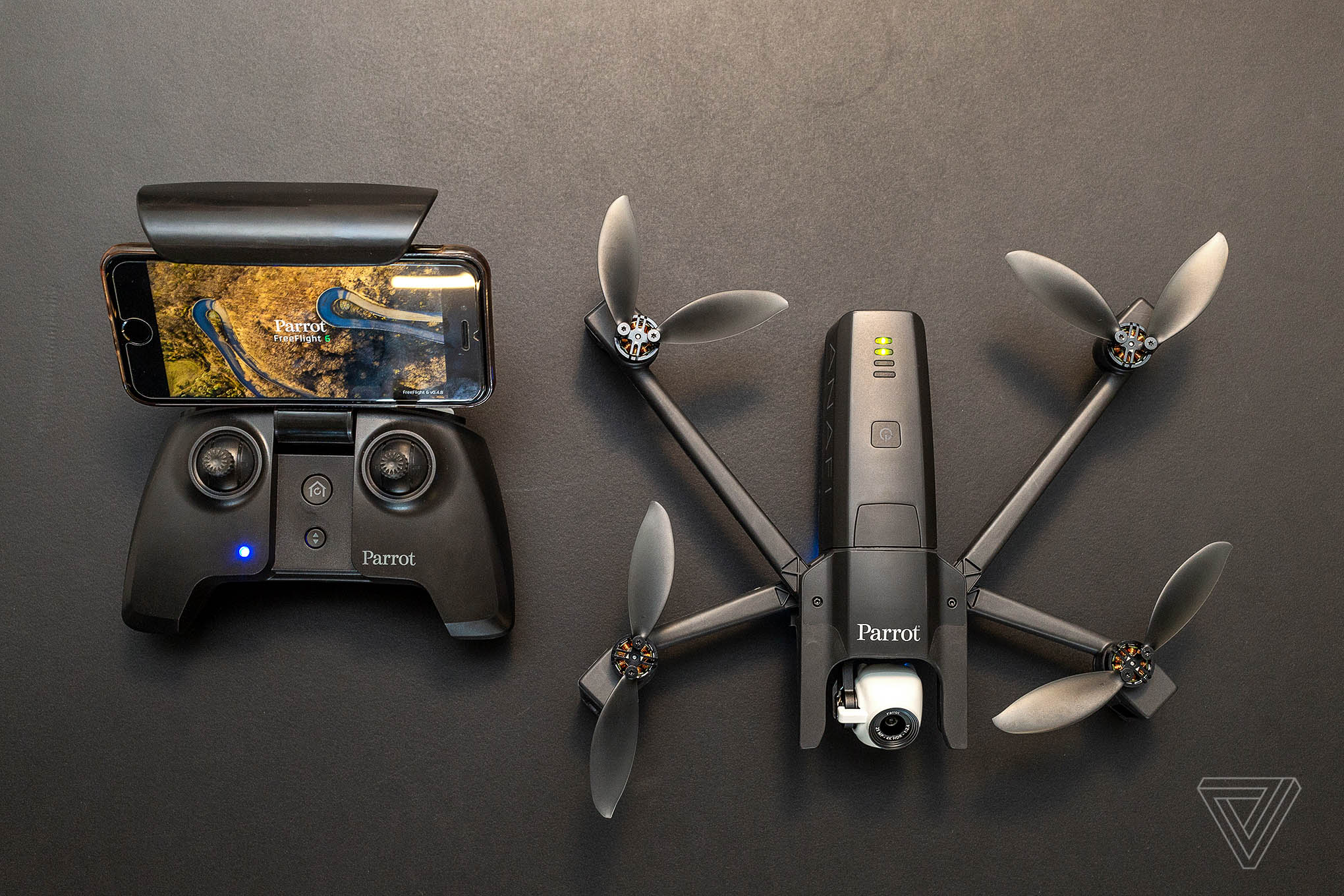 Parrot's new drone folds up for on-the-go use - The Verge