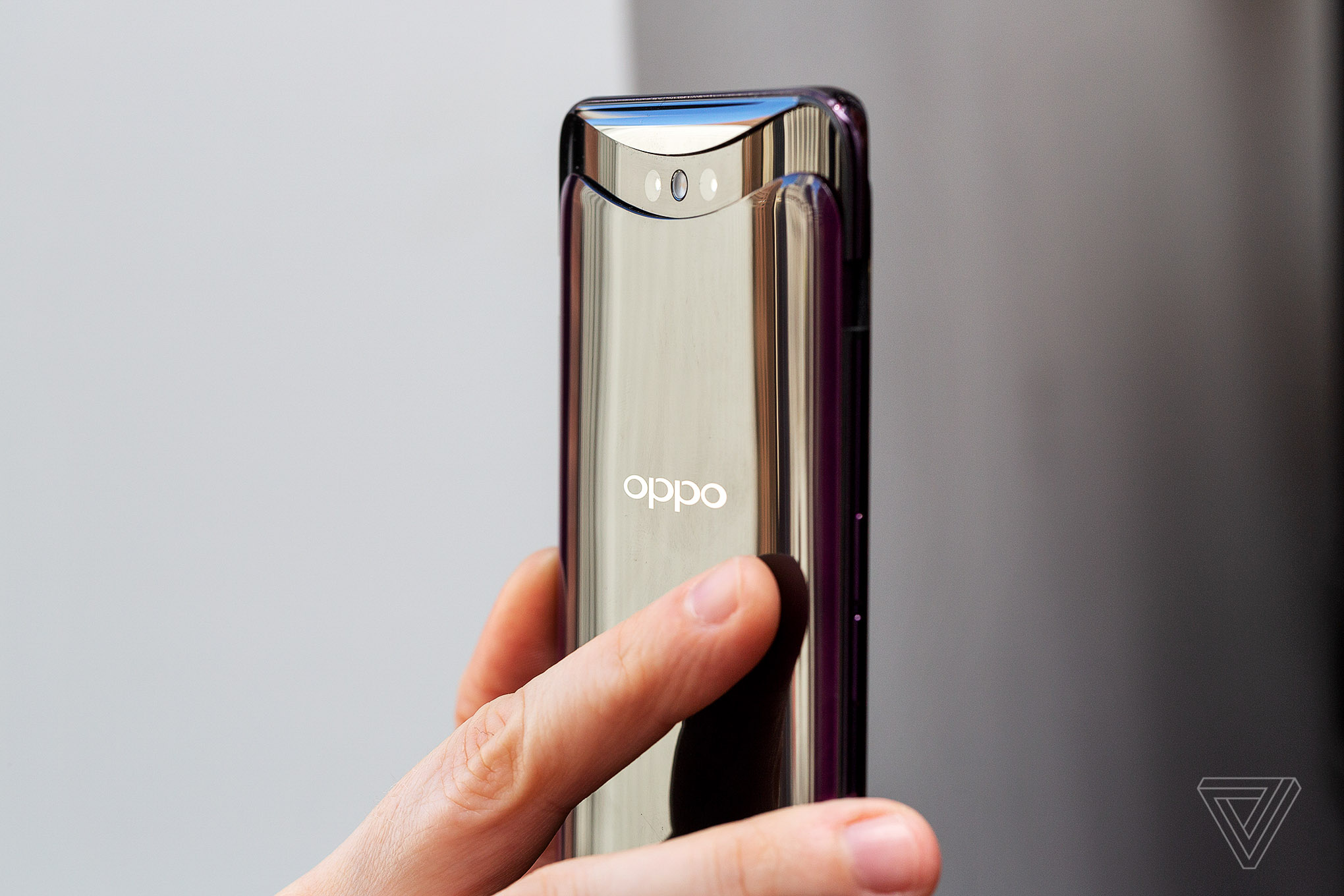 Oppo's Find X ditches the notch for pop-up cameras - The Verge