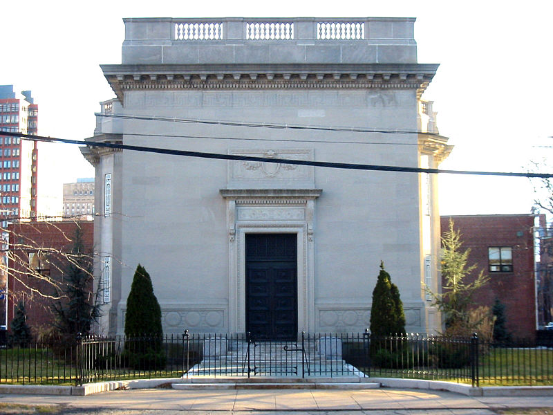 Tomb raiders: The clubhouses of Yale's secret societies