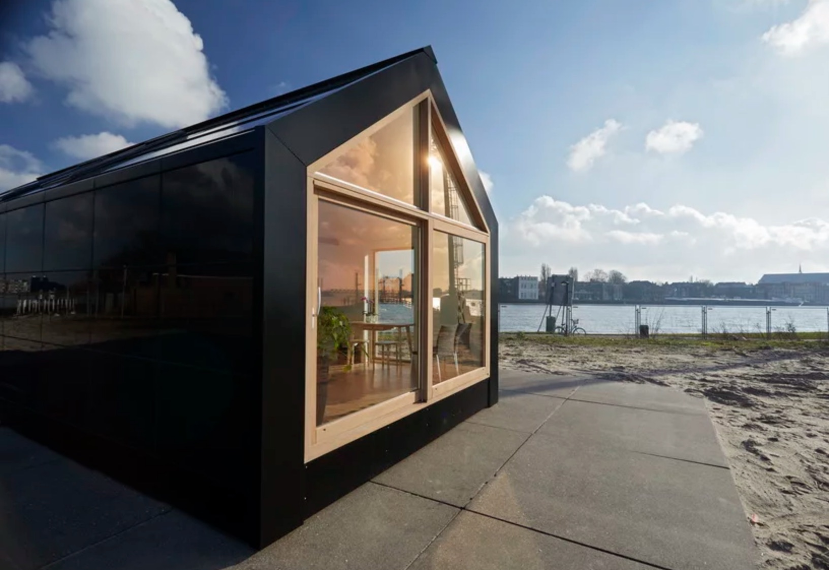 This modular prefab home is powered by the sun