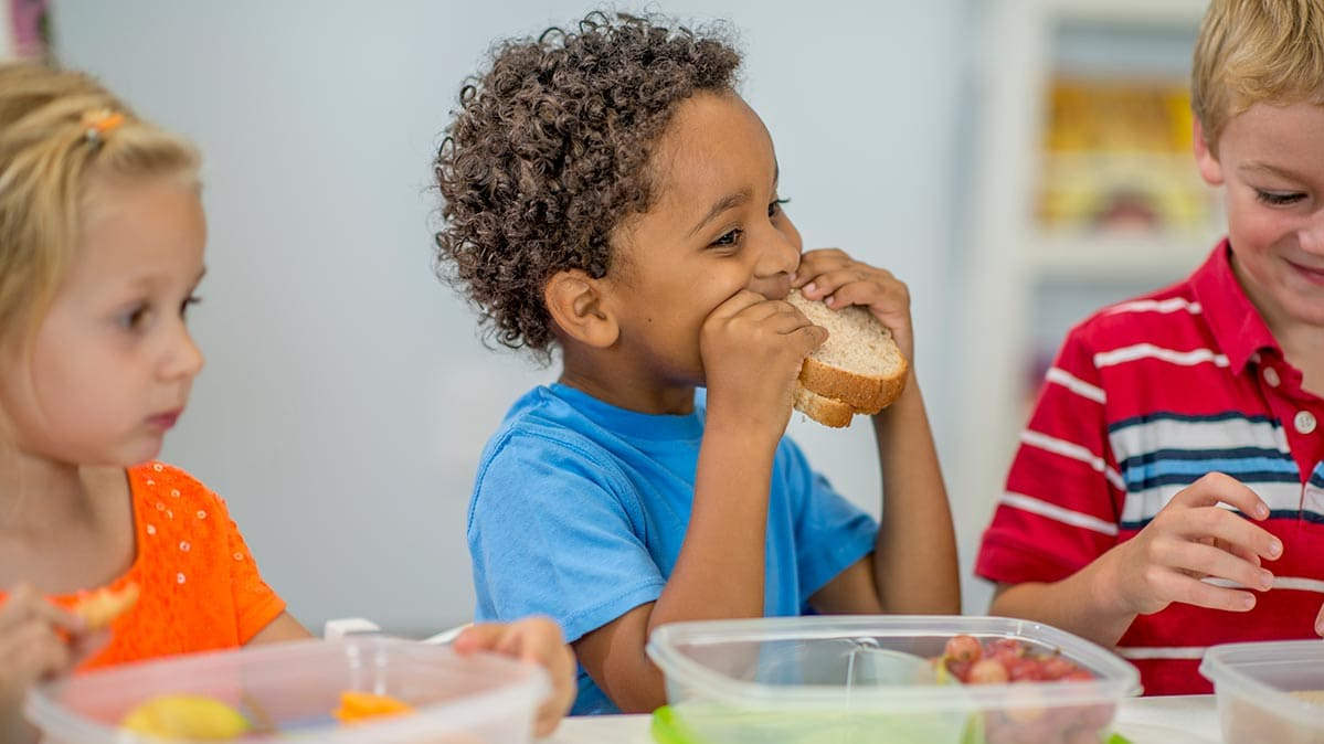 Top 10 Foods You Should Never Feed Your Kids, According To A Nutritionists