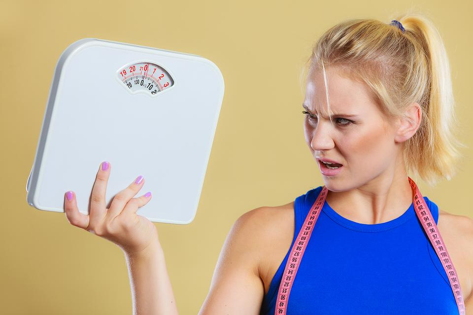12 Nutritionists Share the Top Tips They Give to Clients Trying to Lose Weight