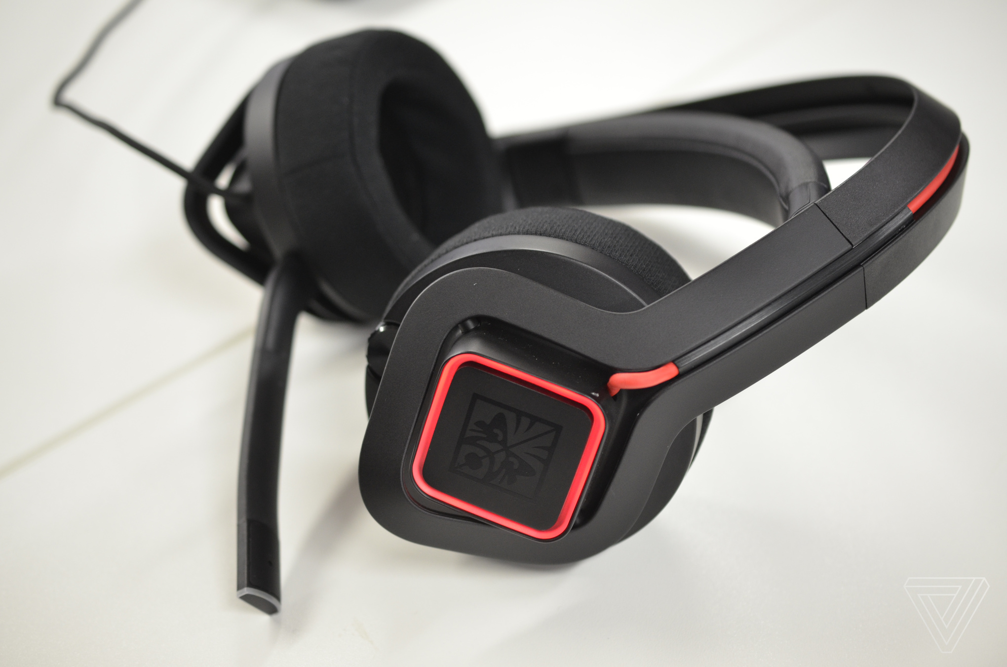 97877bf54e8 HP's Omen Mindframe Headset will be available in October priced at $199.  Grid View