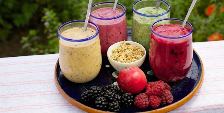 20 Simple Weight Loss Recipes For Smoothies and Shakes Which Will Help You Transform Your Body!