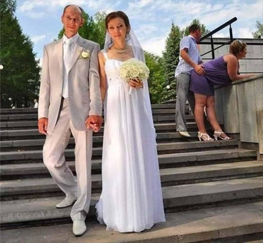 Top 10 Amazing Weird WTF Wedding Photos : Trends