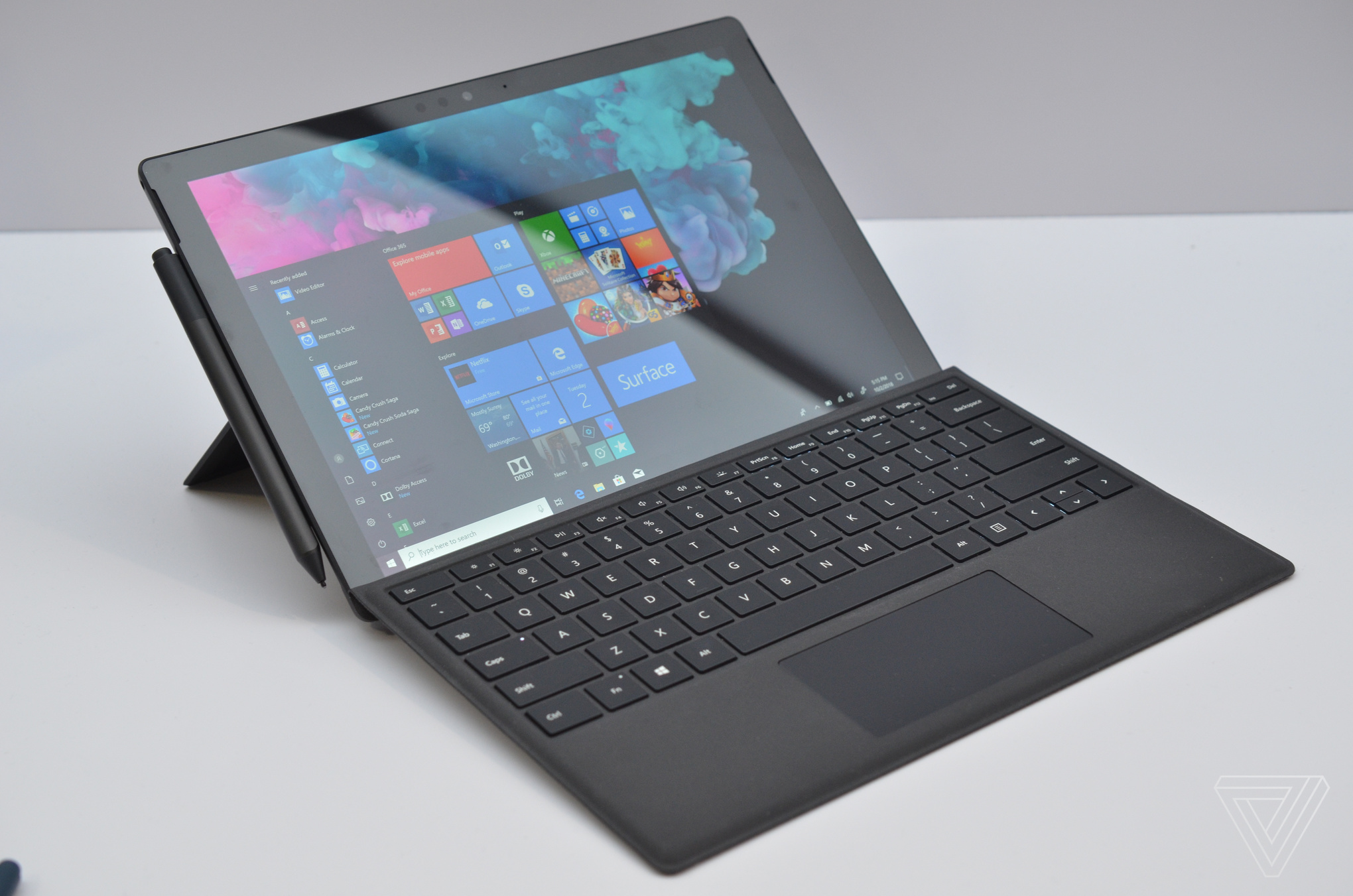 Microsoft Surface Pro 6 in matte black hands-on