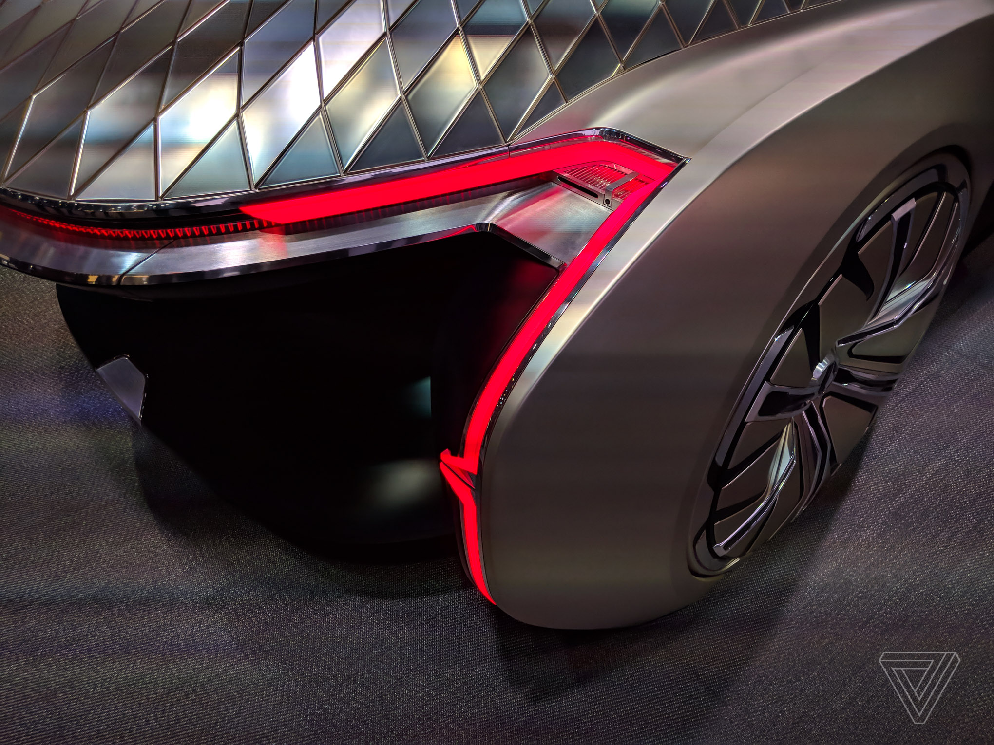 Renault S Ez Ultimo Self Driving Concept Is A Giant Slice Of