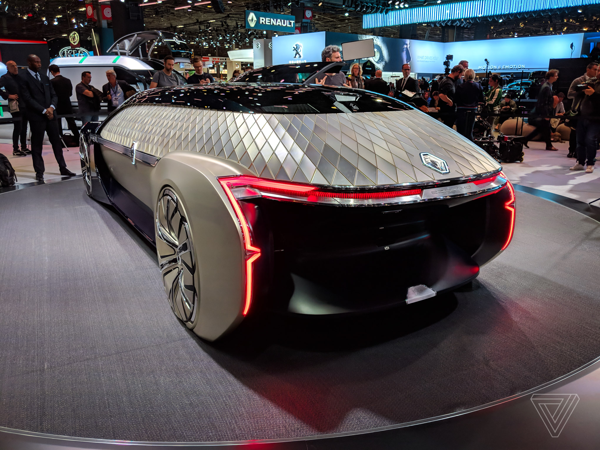 Renaults Ez Ultimo Self Driving Concept Is A Giant Slice Of