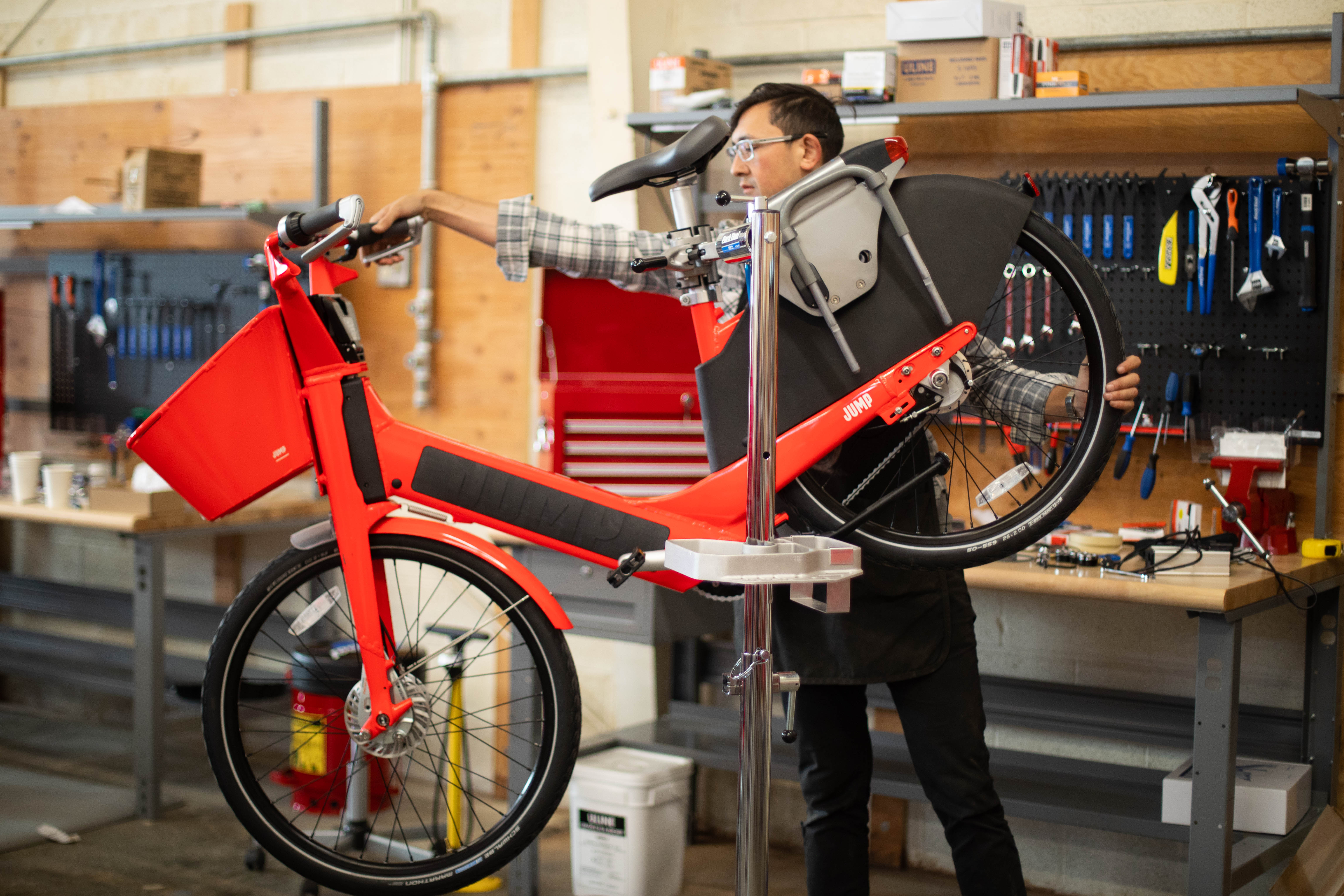 Jump bikes are launching in Seattle on Monday