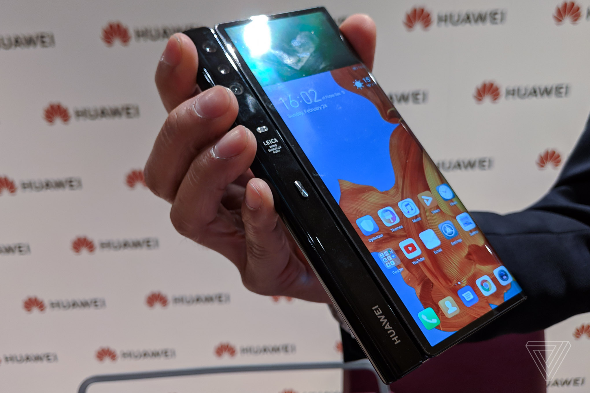 Huawei's Mate X foldable phone is a thinner 5G rival to the