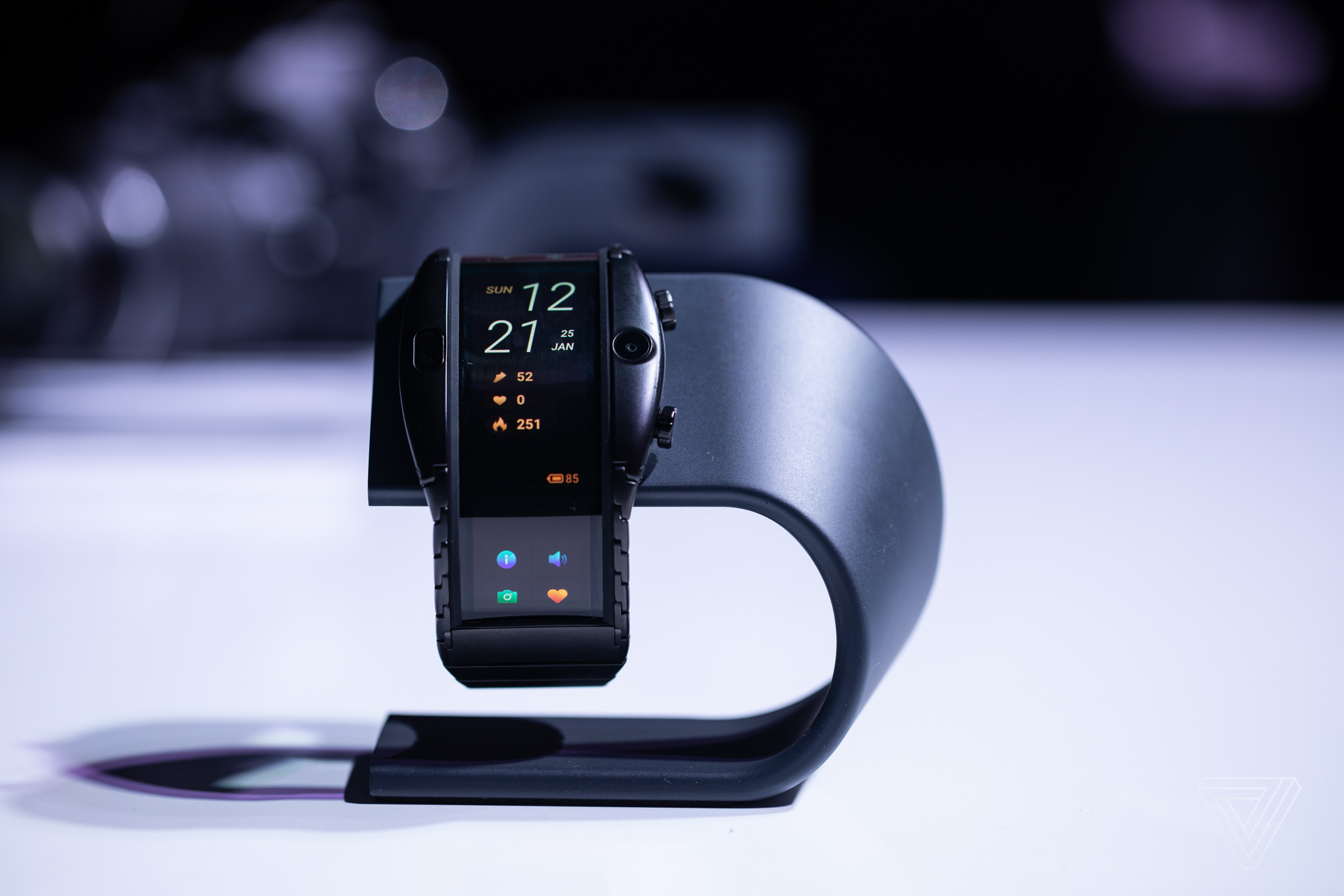 Nubia's new wearable puts a 4-inch flexible smartphone on your wrist