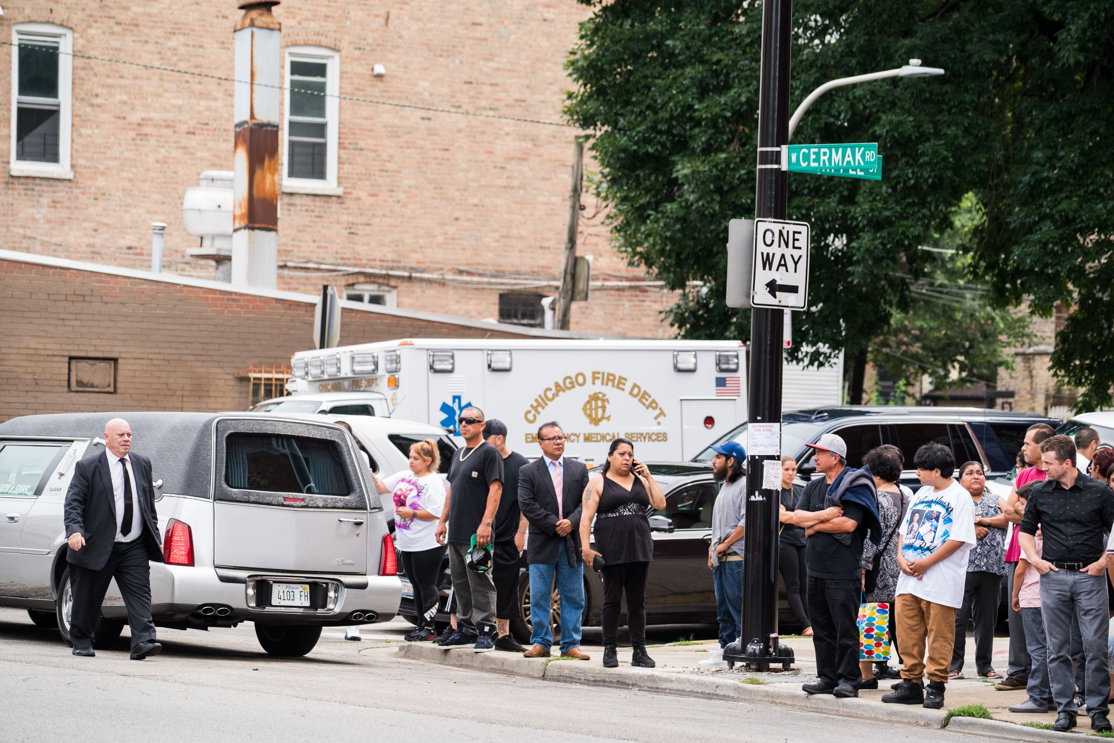 Funeral for 6 of 10 children killed in Little Village fire