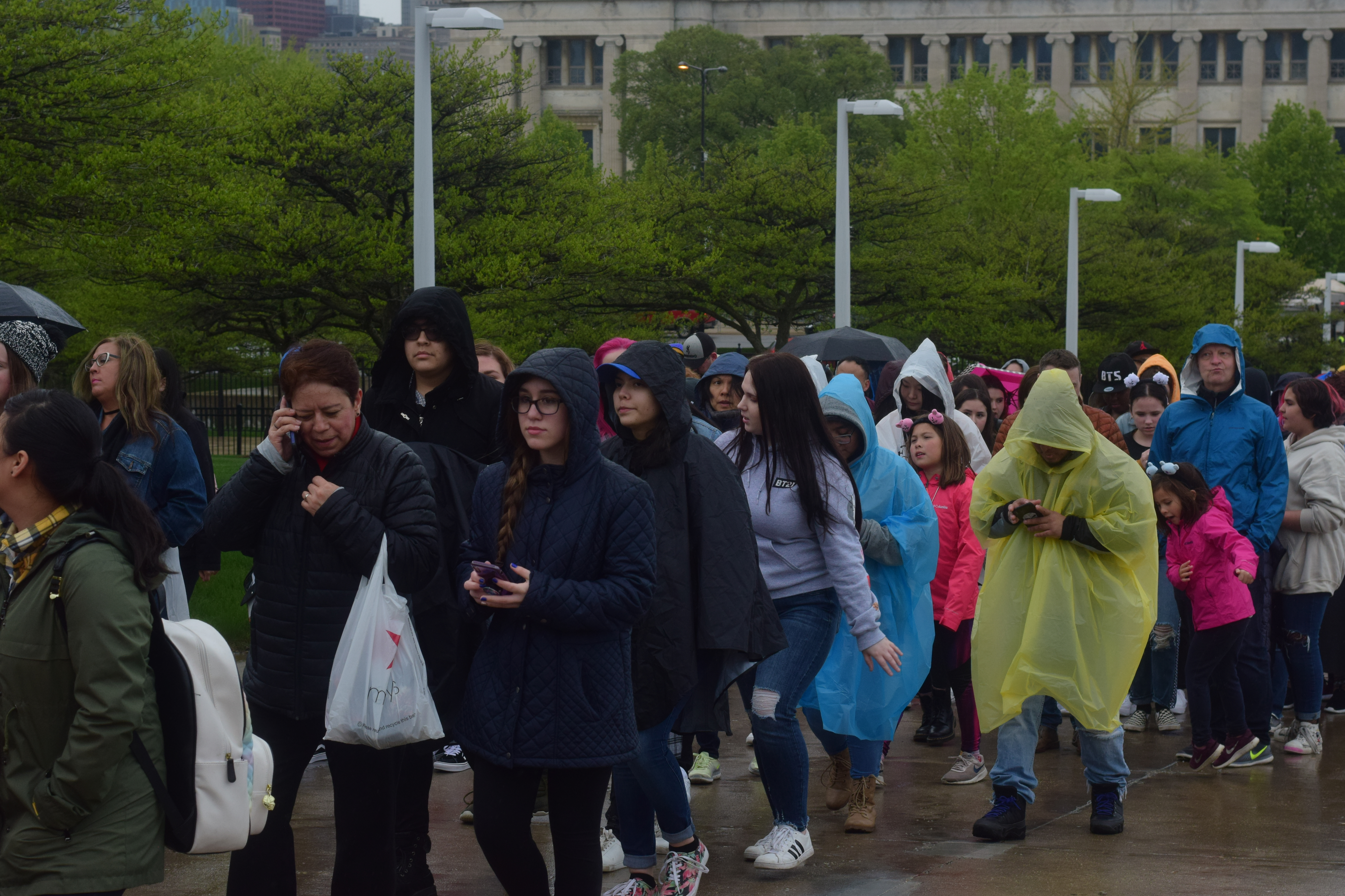 BTS turns up the heat on frigid spring night at Chicago's