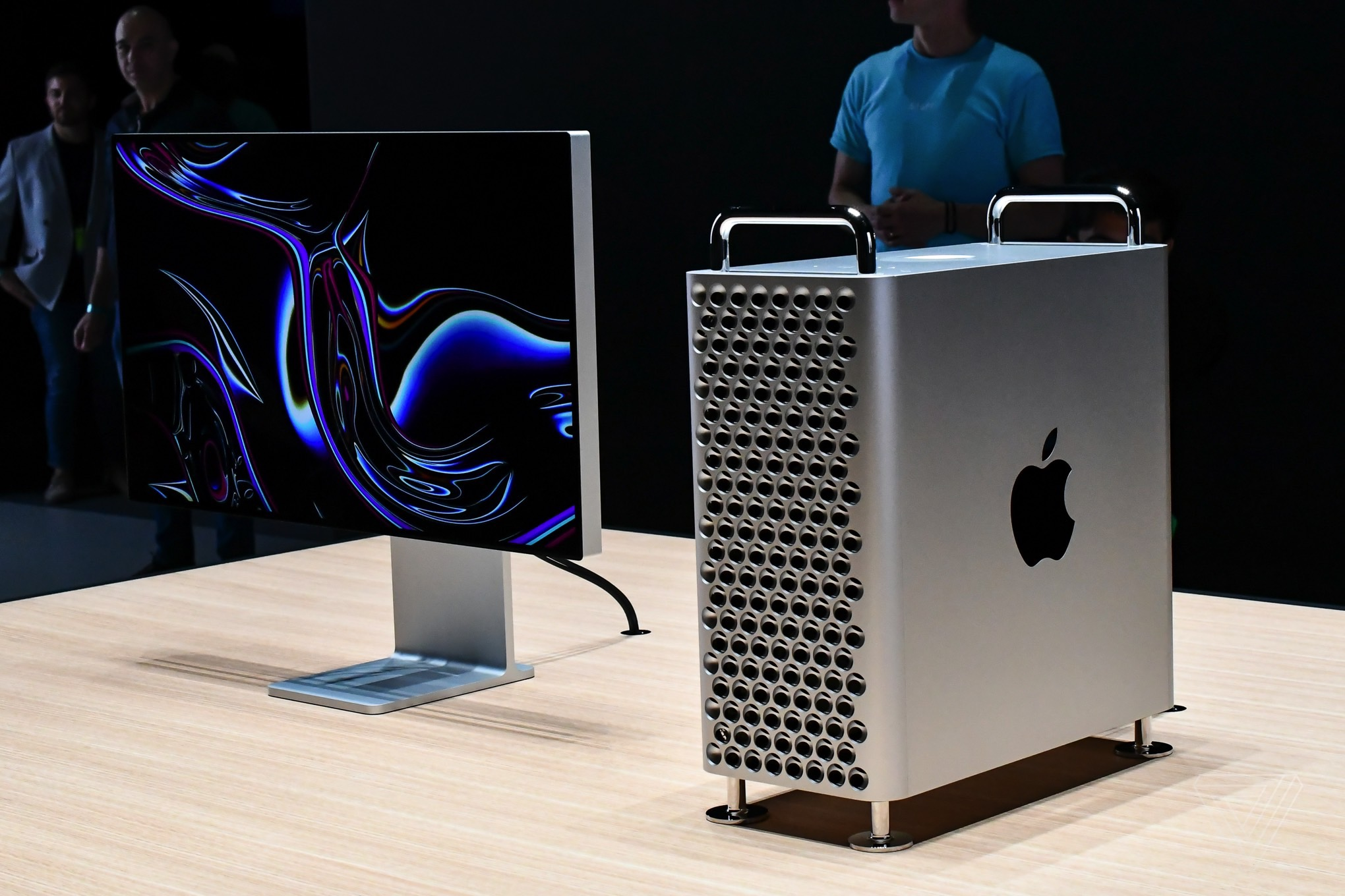 First look: the new Mac Pro is the shiny, expensive powerhouse that