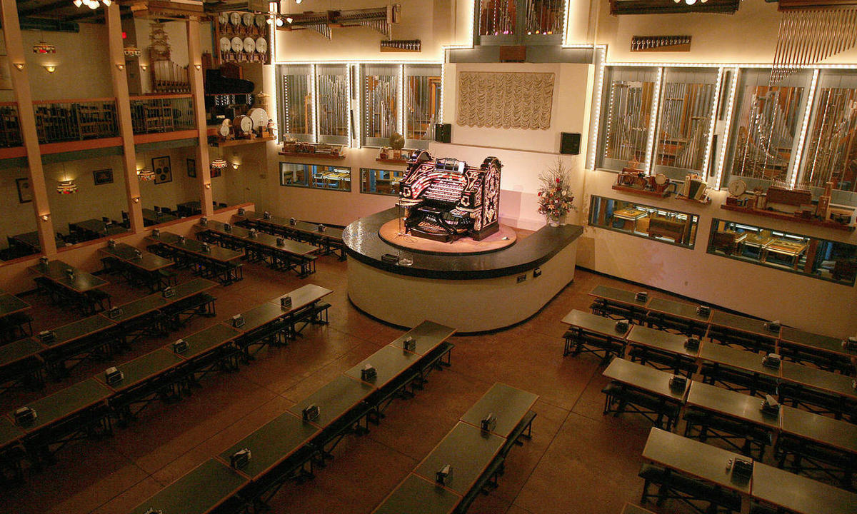 Organ Stop Pizza celebrates 40 years in Mesa - Deseret News