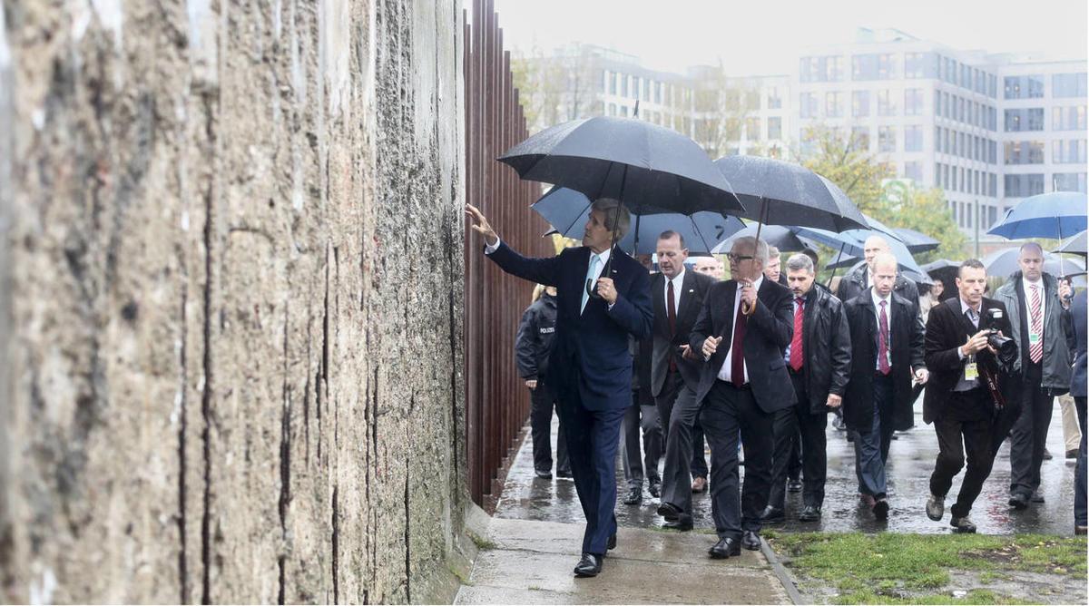 25 years after Berlin Wall's fall, faith still fragile in