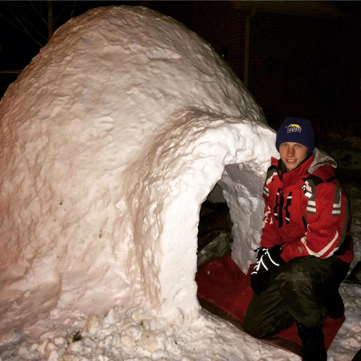 Springville siblings make building igloos a tradition