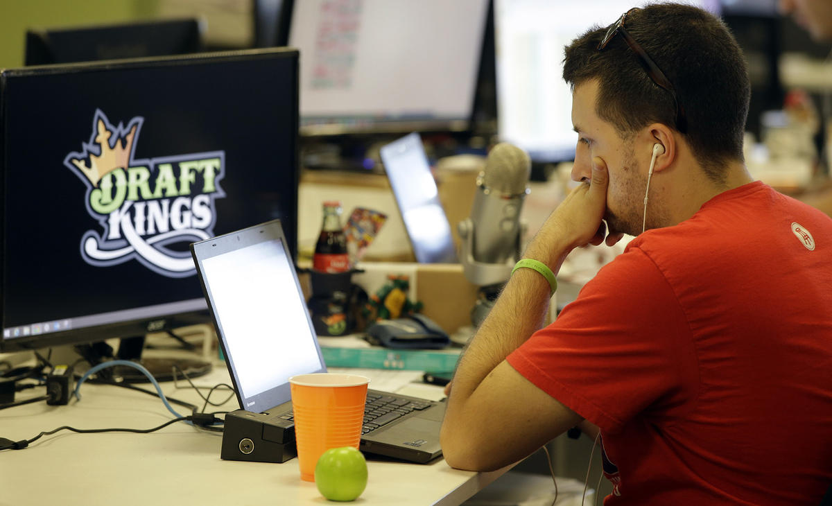 What's the difference between online poker and daily fantasy sports? -  Deseret News